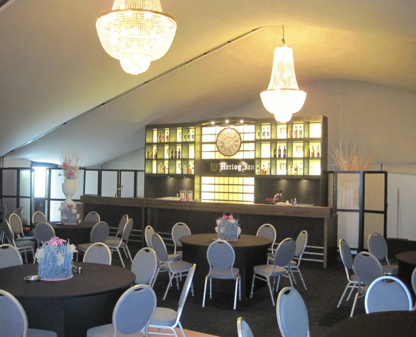 Bruilofttent met bar luxe tent